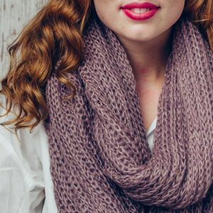 Dusky Pink Knitted Snood