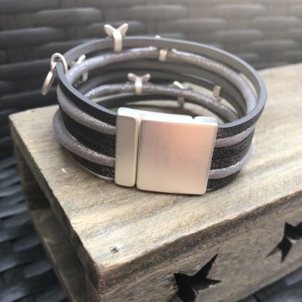 Grey Leather Star Bracelet Picture 2